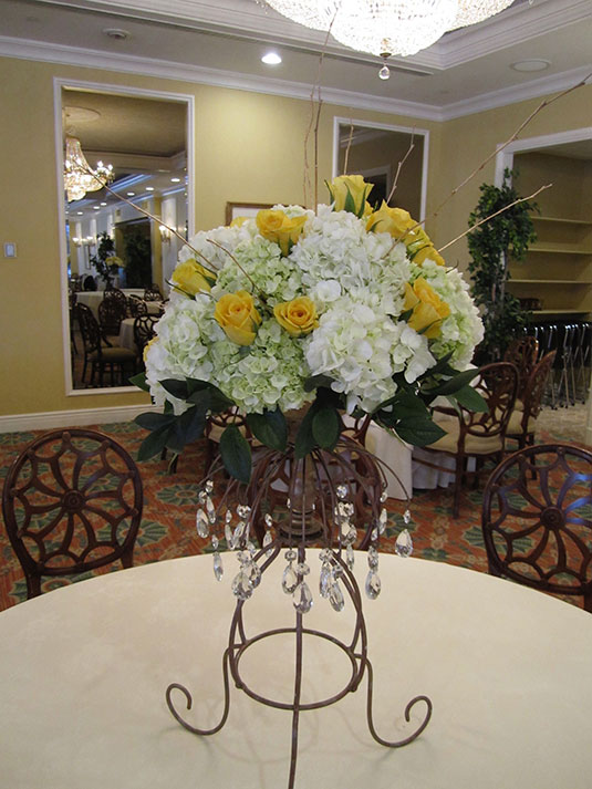 Yellow and White and Gold: Overbrook Golf Club, Tish Long Flowers