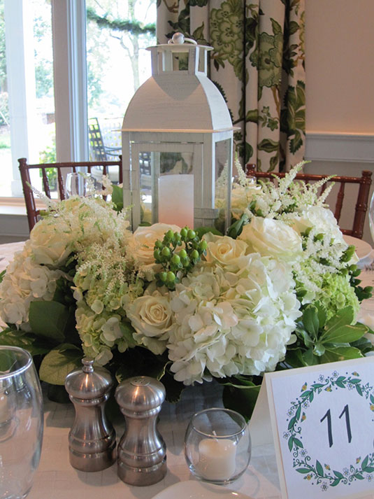 White and Green Summer: Sunnybrook Golf Club, Tish Long Wedding Flowers